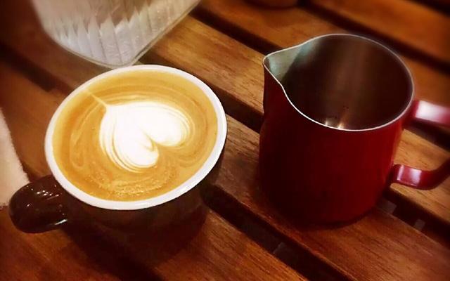 BE BRIGHT CAFFE