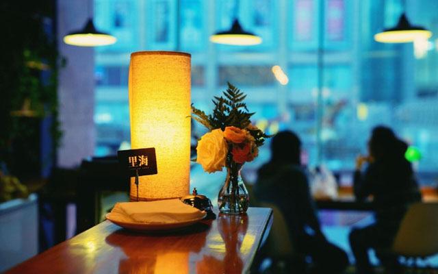里海咖啡馆