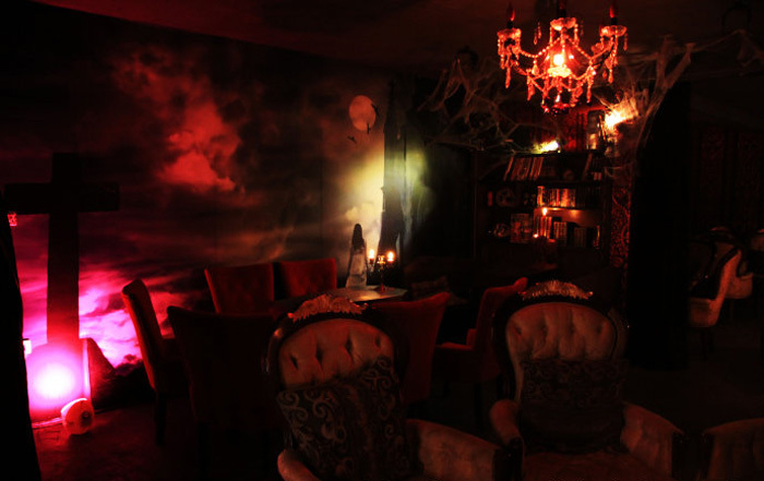 The V吸血鬼主题酒吧
