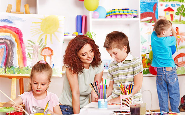 """""""幼儿美术教学活动中的教与学""""专题研讨会"""