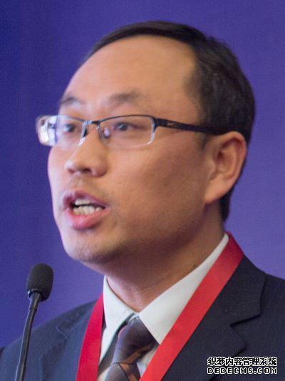 中车青岛四方车辆研究所有限公司副总工崔凤钊照片