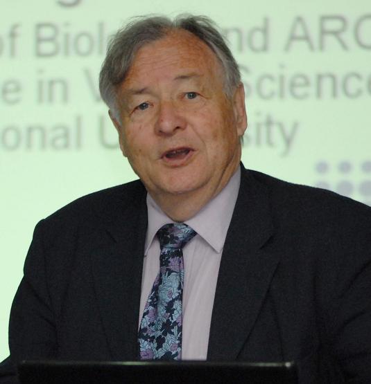 澳大利亚国立大学生物研究院教授Ian MORGAN照片