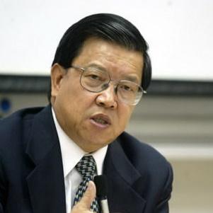 全球CEO发展大会联席主席 龙永图照片