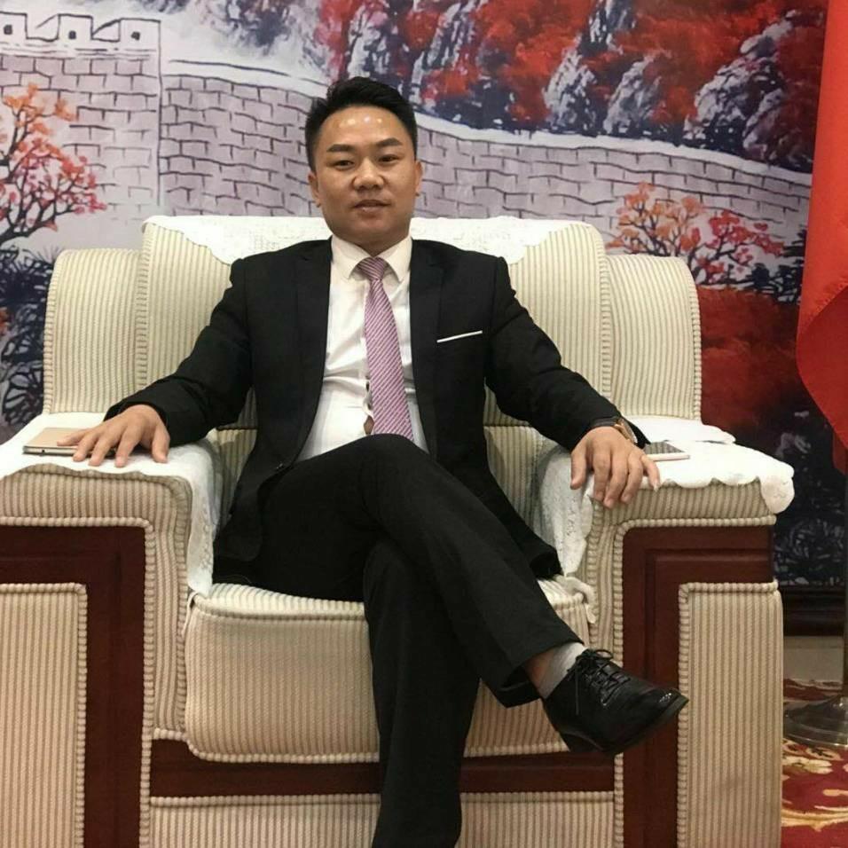 深圳环宇视界实业有限公司董事长杨俊雄照片