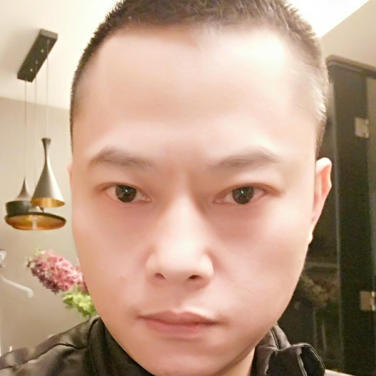 成都万商聚集电子商务有限公司总监李绍明照片