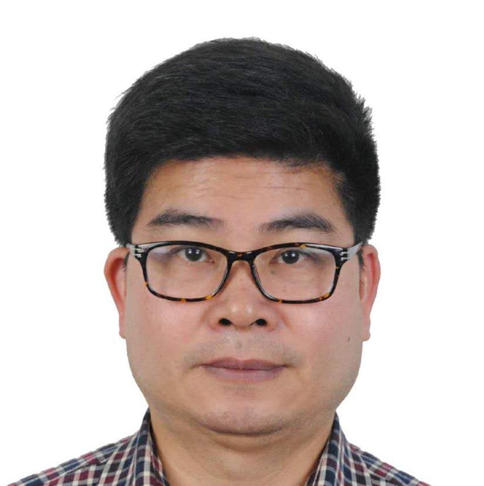 万红资本总监黄旭英照片