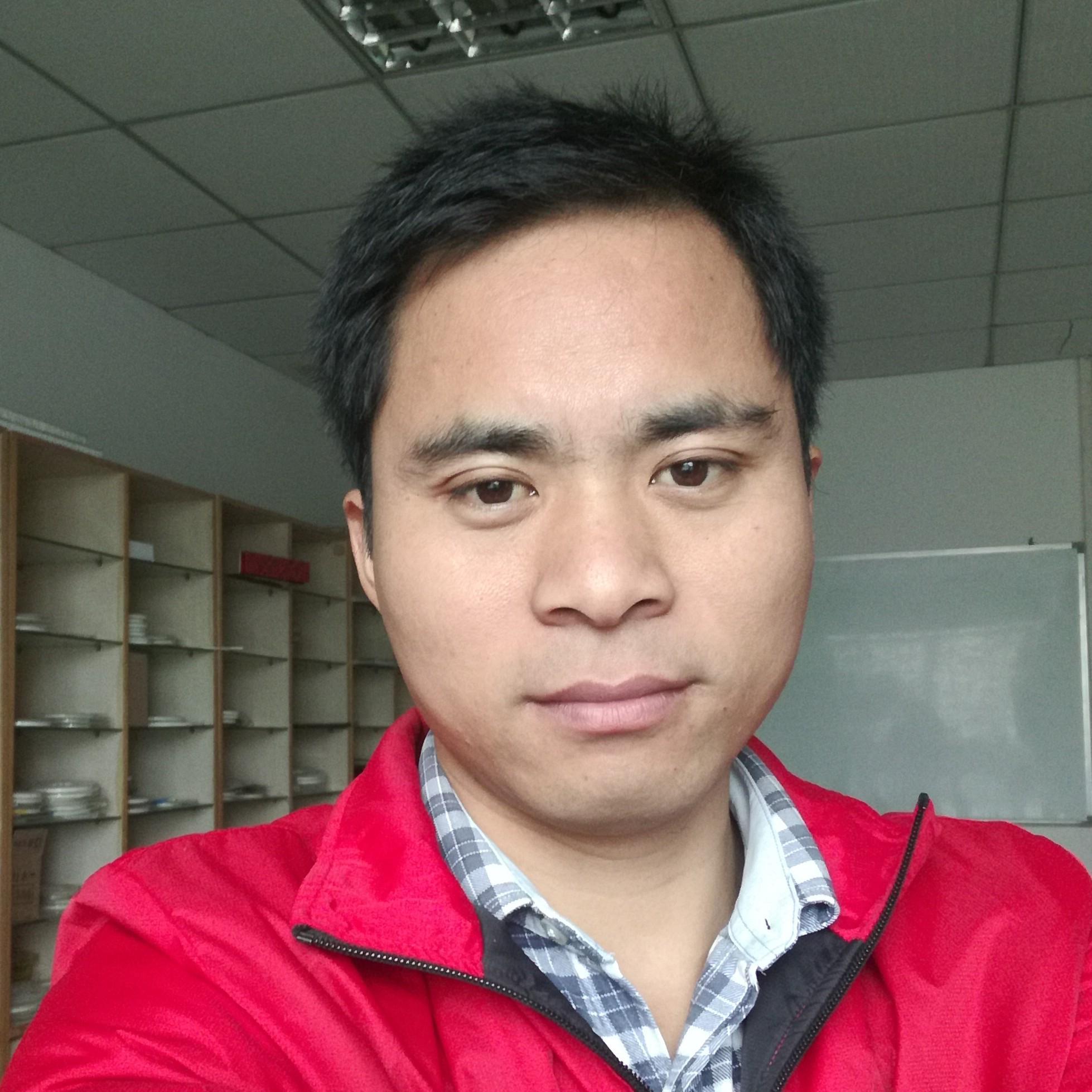 东莞黄江精维电子厂企业法人鄢才忠照片