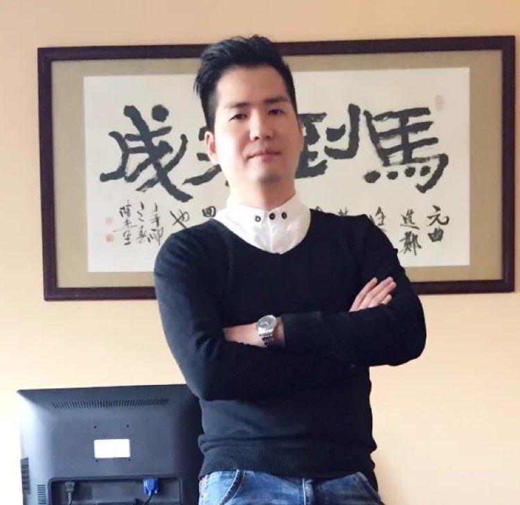 深圳市奕樟服饰有限公司副总郑伟成照片