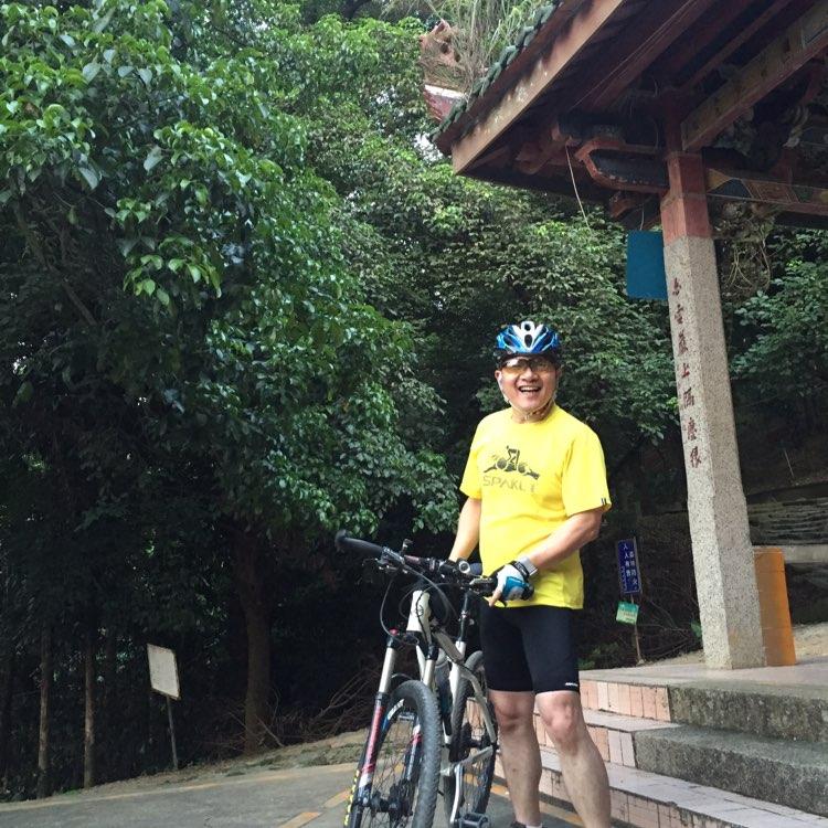港城(漳州)房地产开发有限公司副总林俊彪照片
