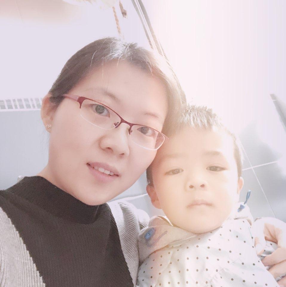 上海高荣丽娜新型装饰材料有限公司经理黄梦飞照片