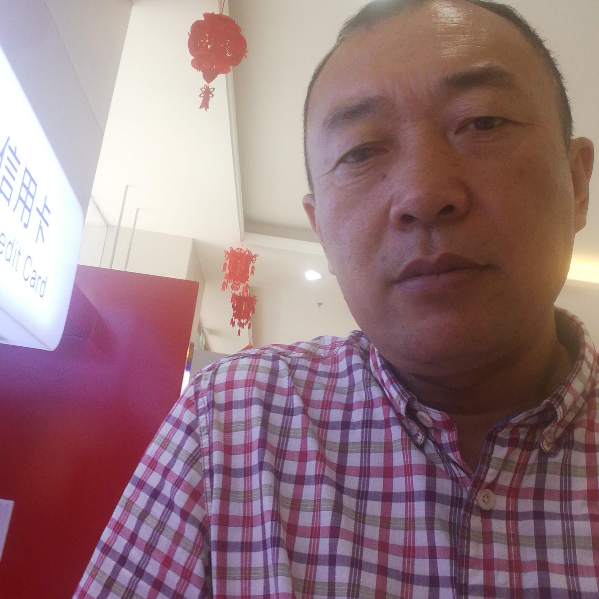 江苏鸿燊物流科技有限公司董事长黄勇军照片