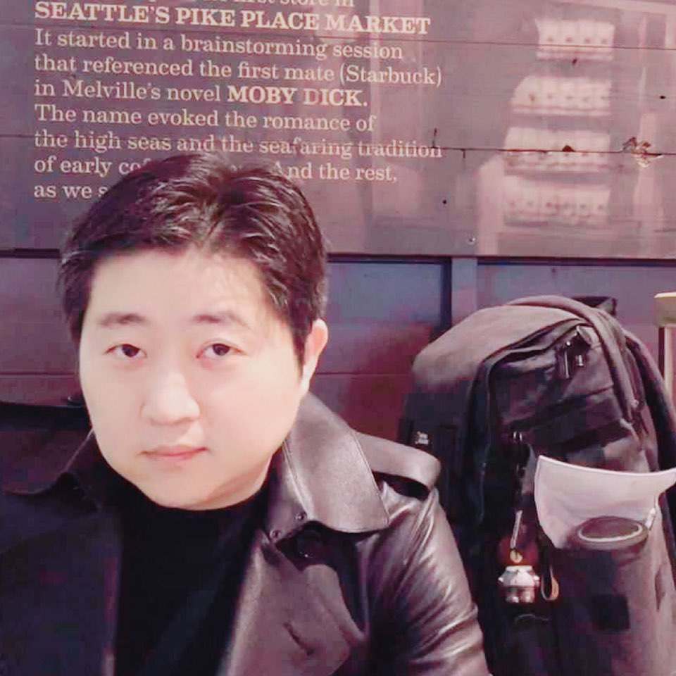 优舍(北京)国际房地产咨询有限公司董事长黄天果照片