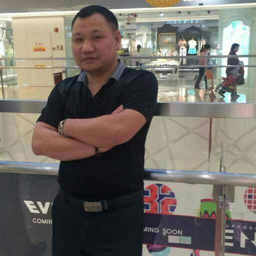 红蜻蜓集团总监刘洪余照片