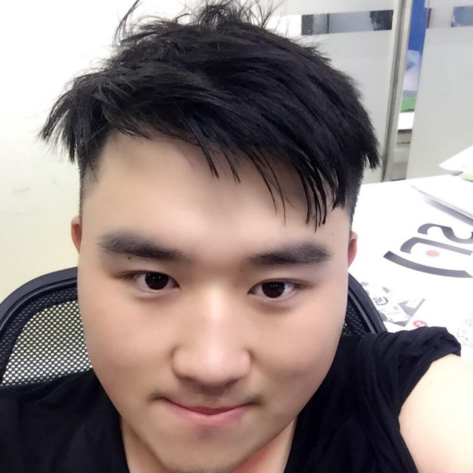 凹凸共享租车销售主管赵小磊照片