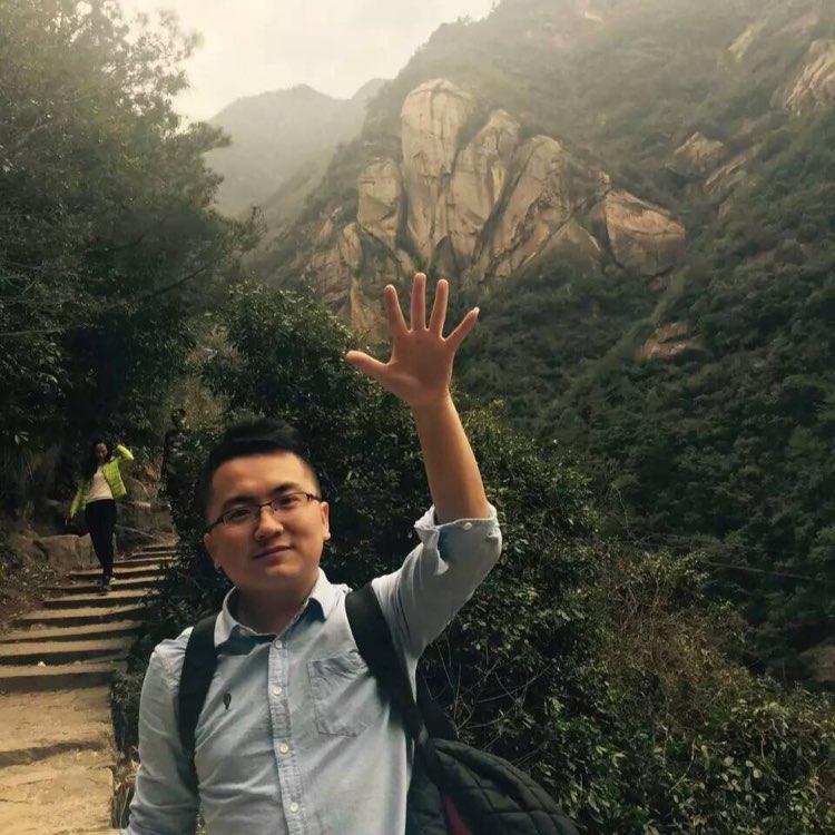 三胞集团有限公司助理霍鹏飞照片