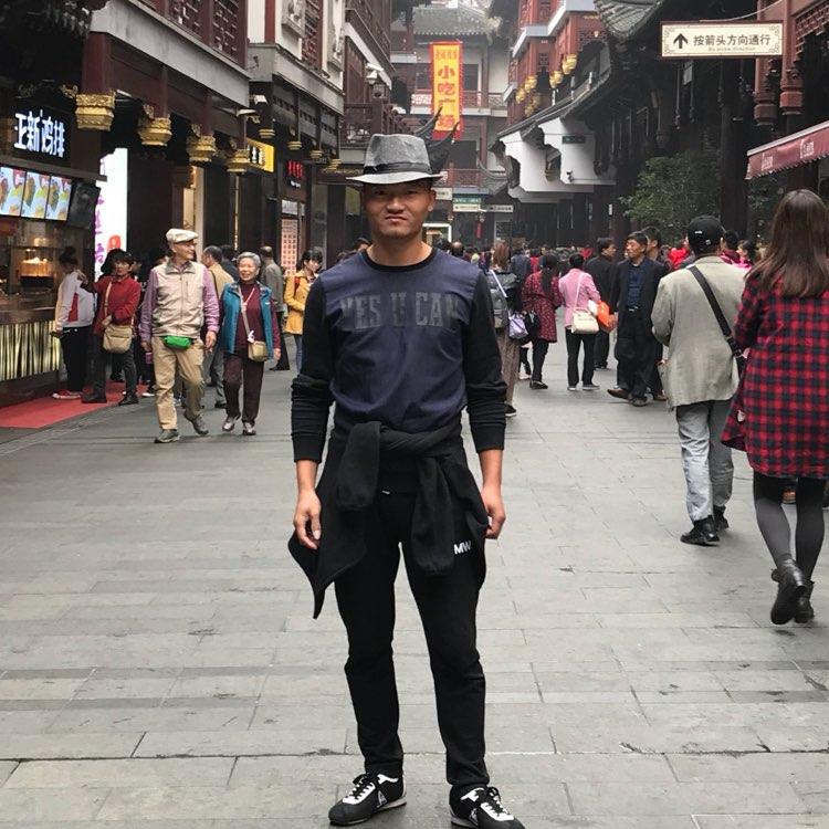 宁波胜美装饰设计工程有限公司经理俞海鸣照片