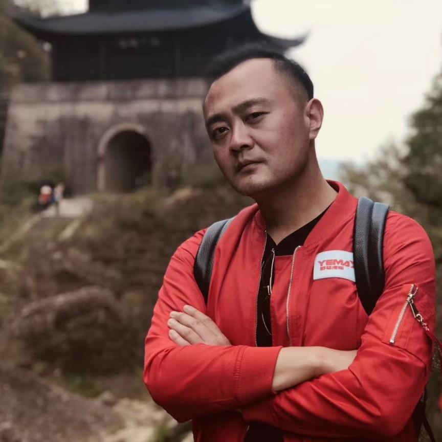 四川野马汽车股份有限公司助理杨宁远照片