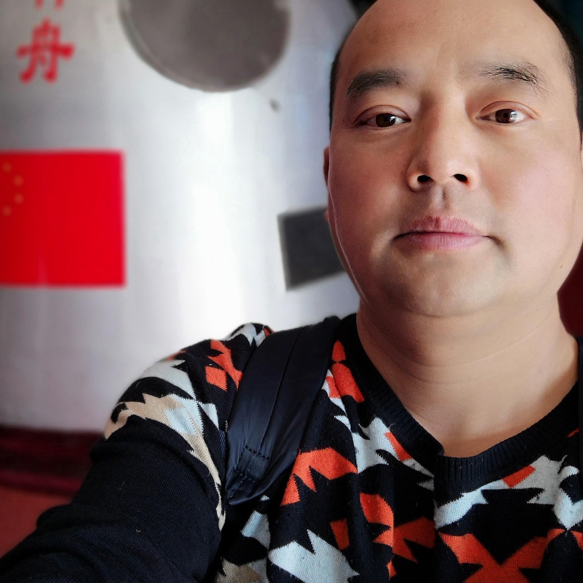 天晟电气股份有限公司经理裴延平照片