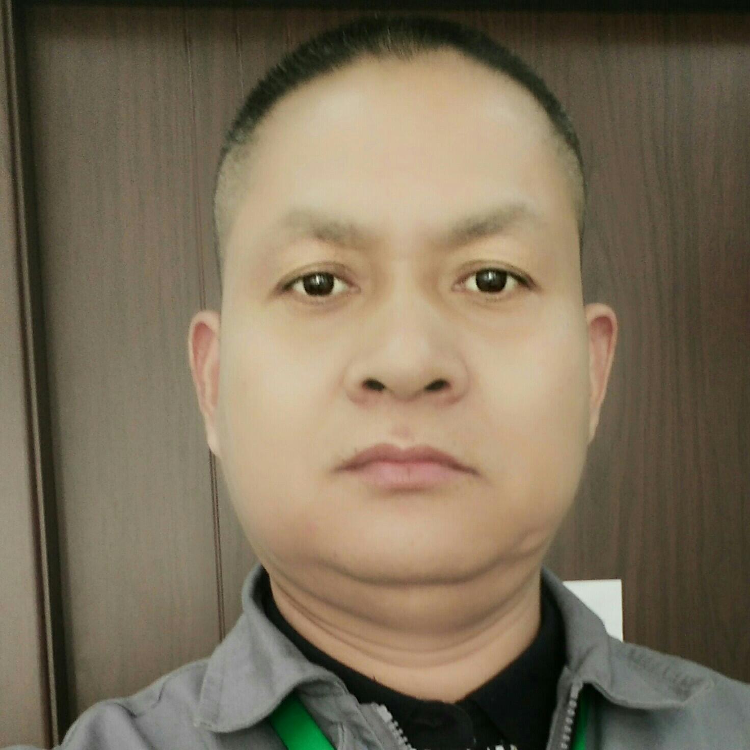 绿城物业工程主管俞贤庭照片