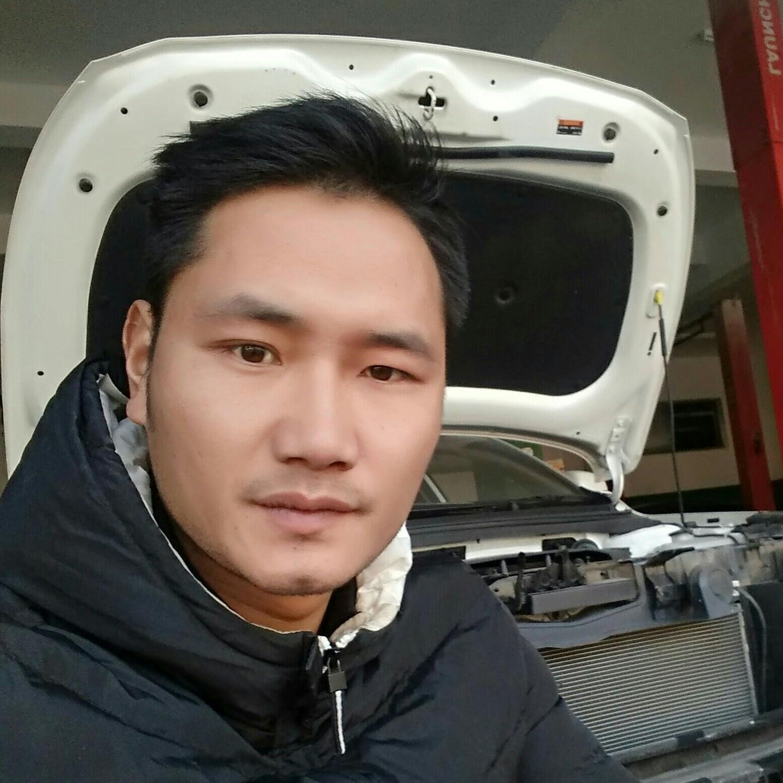 交通汽修业务主管马桂阳照片