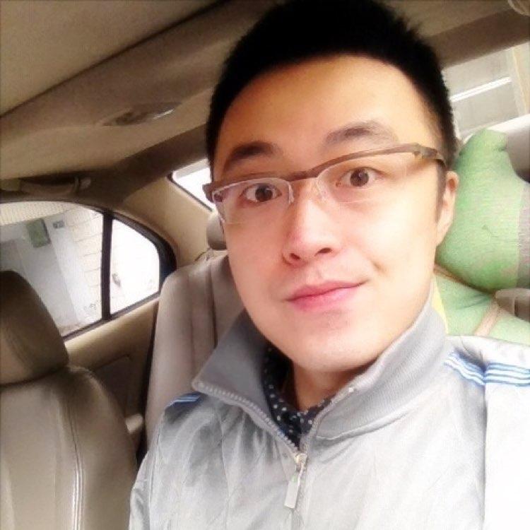 中国联合网络通信有限公司四川分公司经营策划及运营主管薛源海照片
