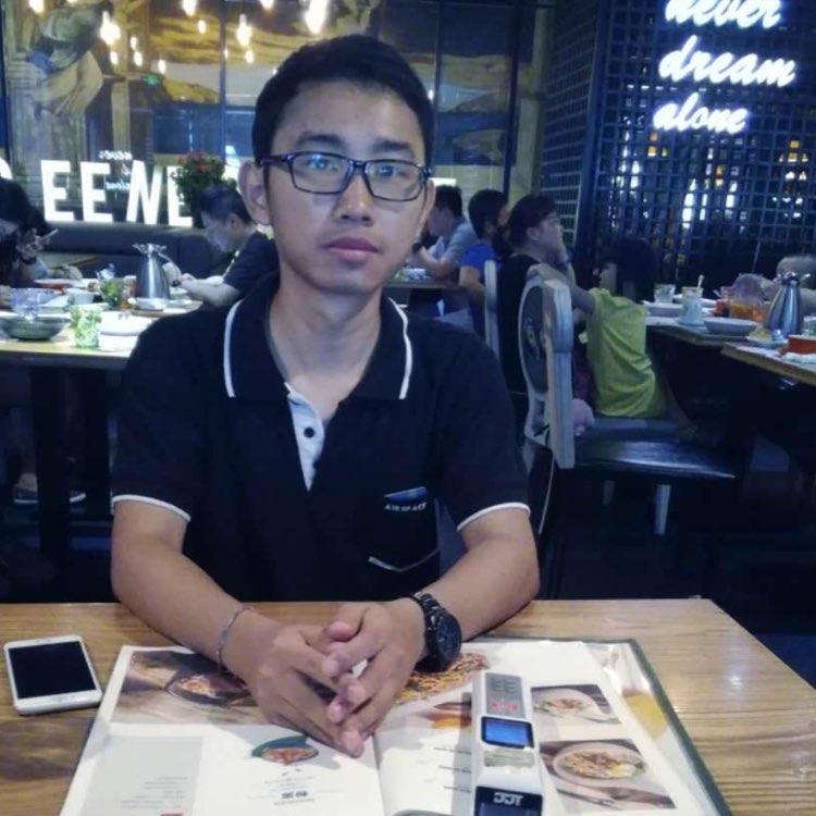 广东惠龙邦电子商务有限公司电商运营负责人邓聪颖
