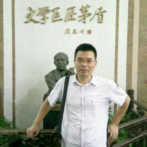 颍州晚报编辑记者陈传坤照片