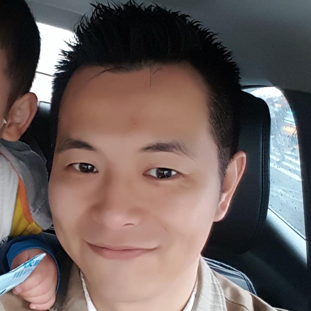 深圳市佰仟金融服务有限公司经理汪敏敏照片