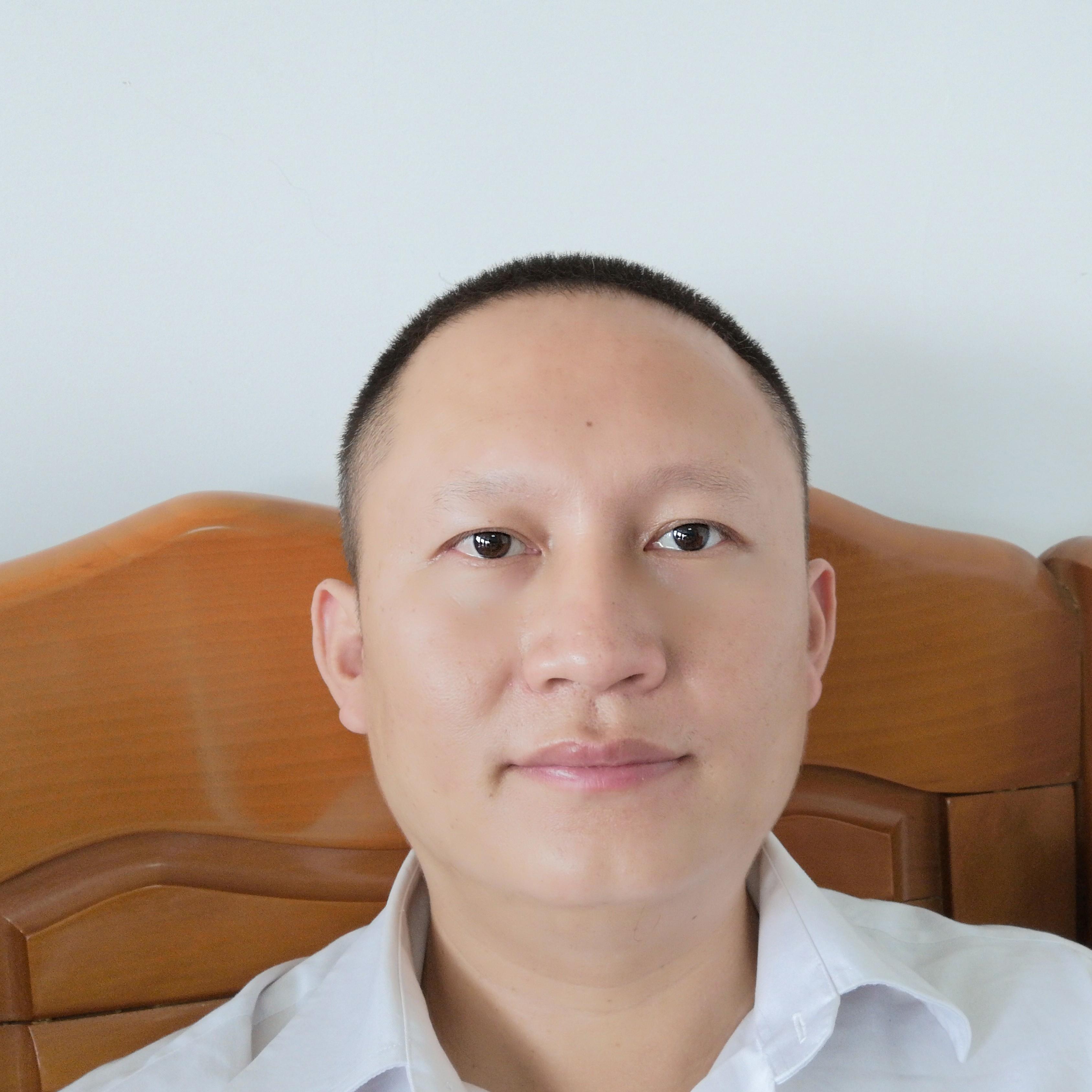 紫金县金融工作局业务主任钟东生照片