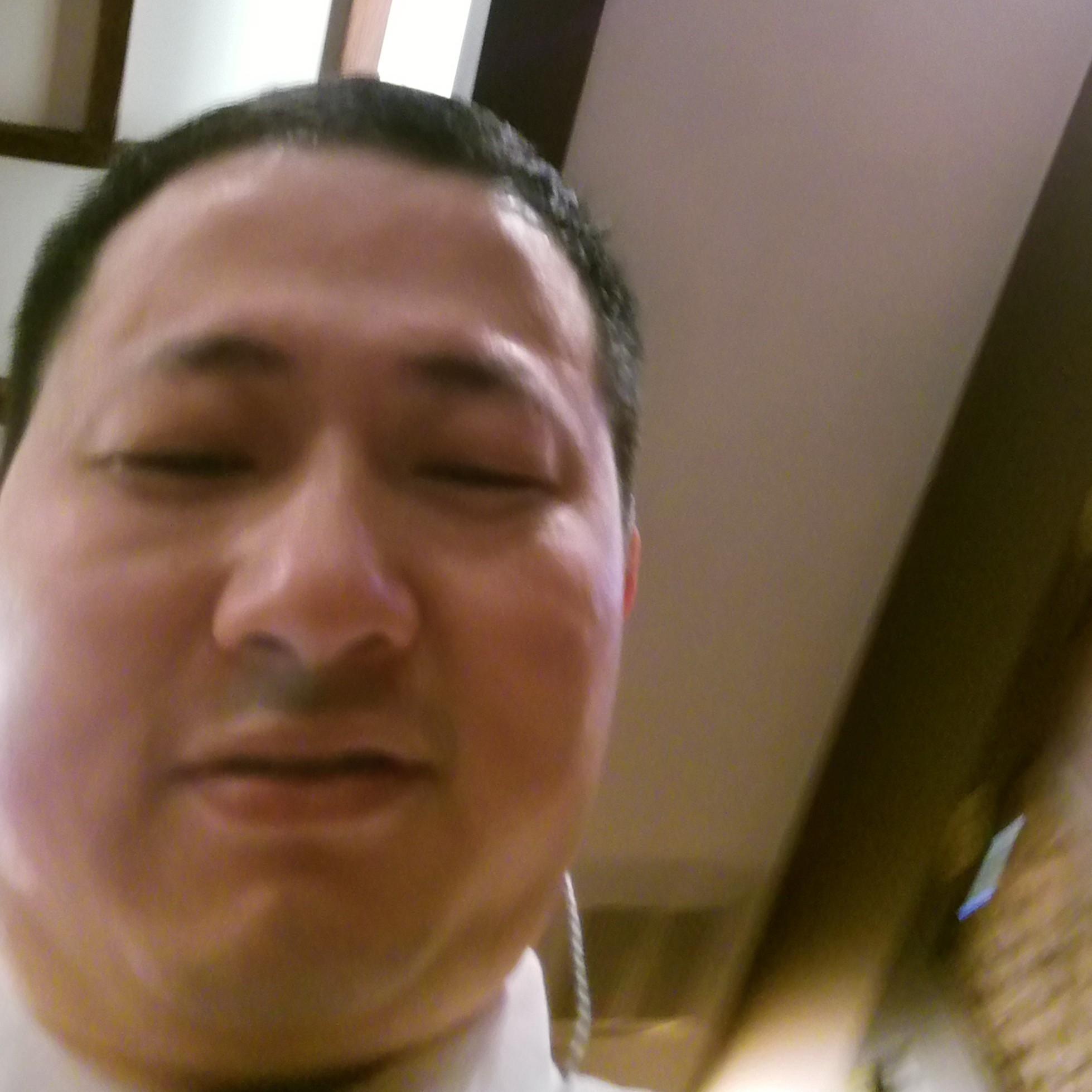 自由职业者行政主管林某群照片