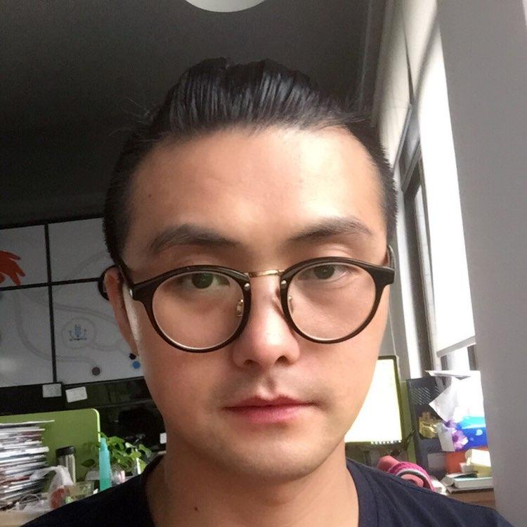广州嘉影软件有限公司资深设计师曹树涛照片
