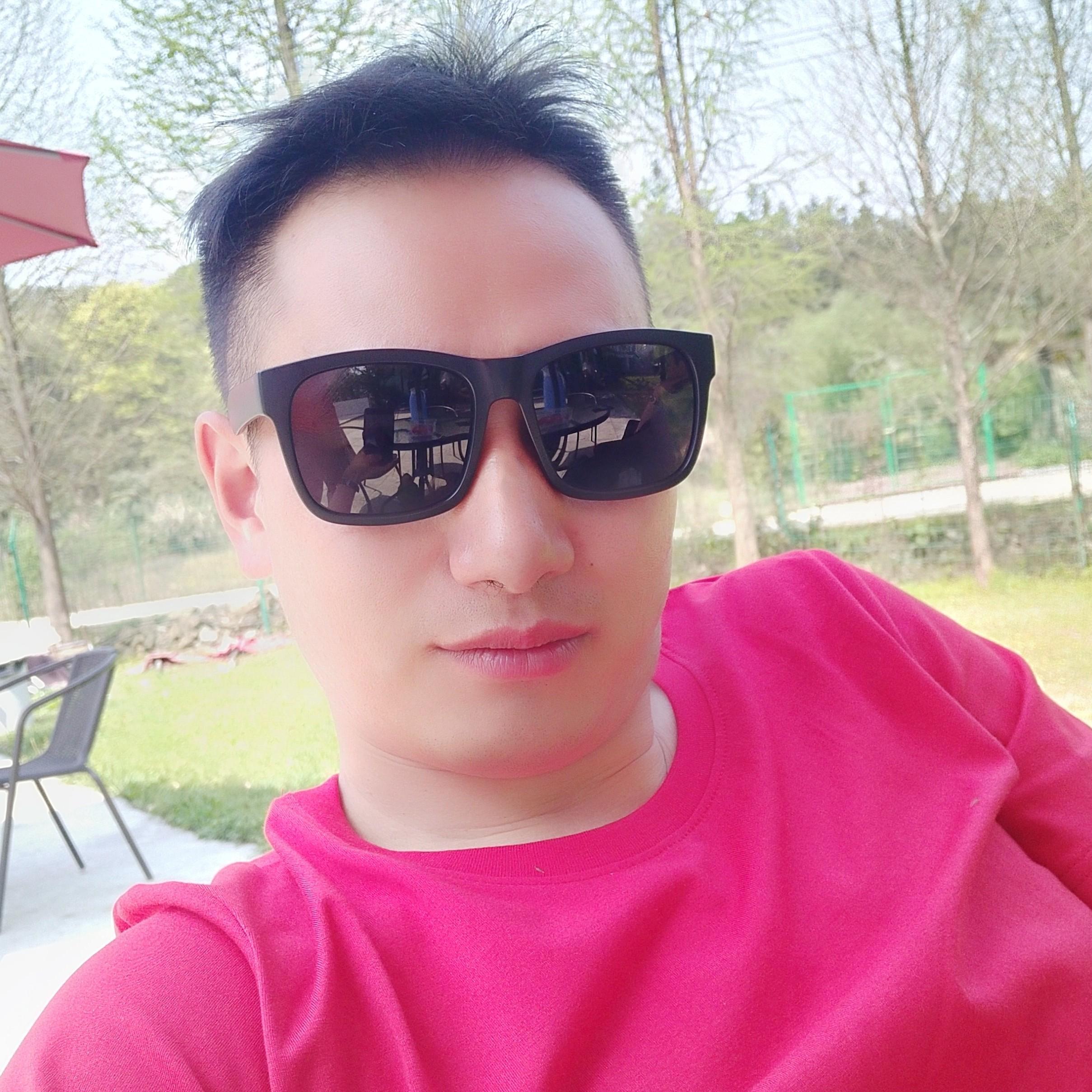 温州金祺贸易有限公司业务主管侯云亮照片