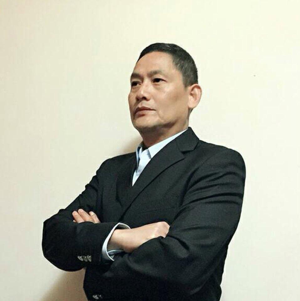 上海弟亿建筑装饰工程有限公司经理李钢强照片