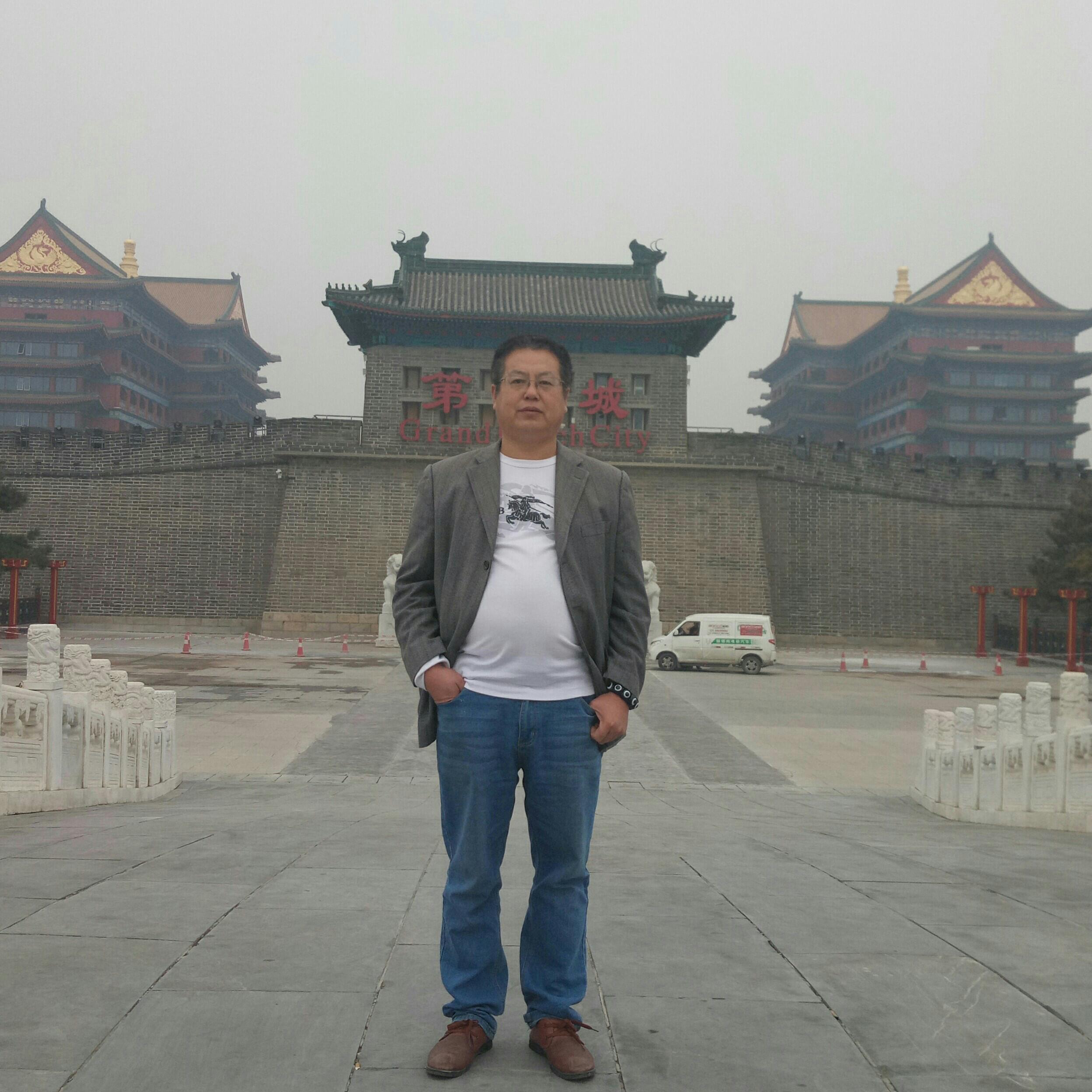 河北钰泽宏昌商贸石材经理毛景泉照片