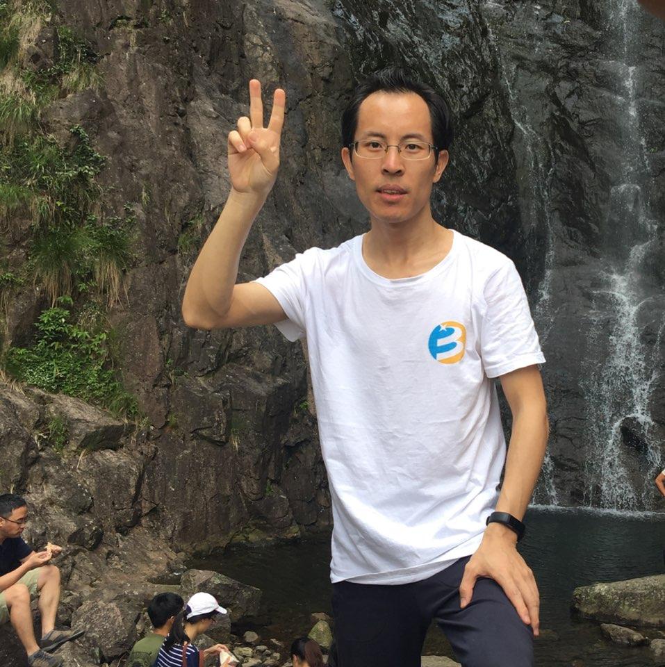 杭州字节信息技术有限公司首席架构师杨建光照片
