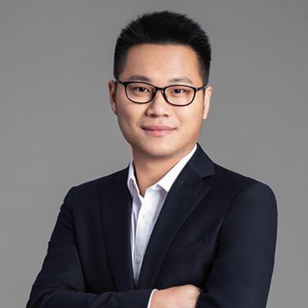 电魂网络海外发行总经理郑首帅照片