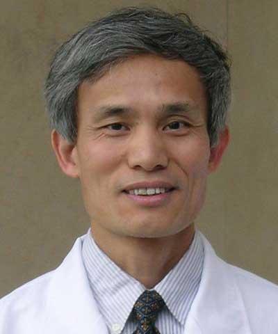 中山大学肿瘤防治中心教授黄蓬照片