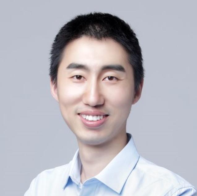 南京大學副教授任桐煒照片