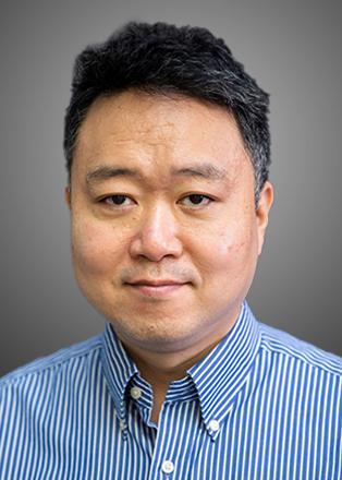 依瞳科技联合创始人、CTO李劲照片