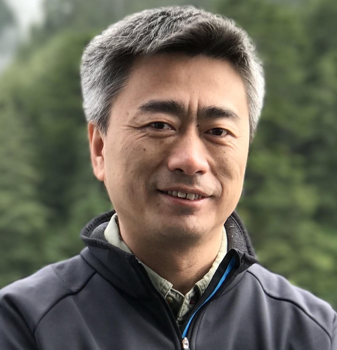 清华大学计算机科学与技术系教授孙立峰照片