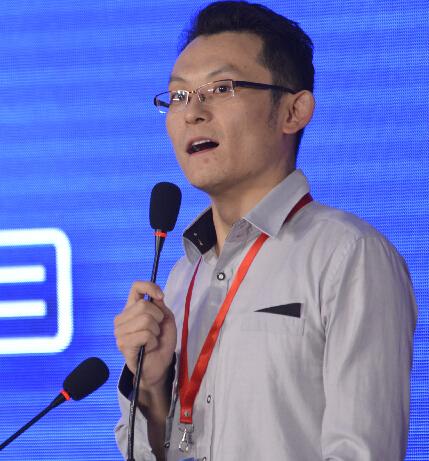在线教育资讯网董事长王岩照片