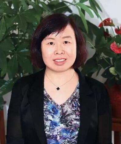 上海资信有限公司总裁刘小英照片