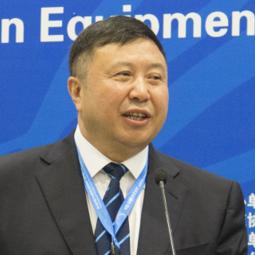 中国教育国际交流协会教育装备国际交流分会理事长韩呼生照片