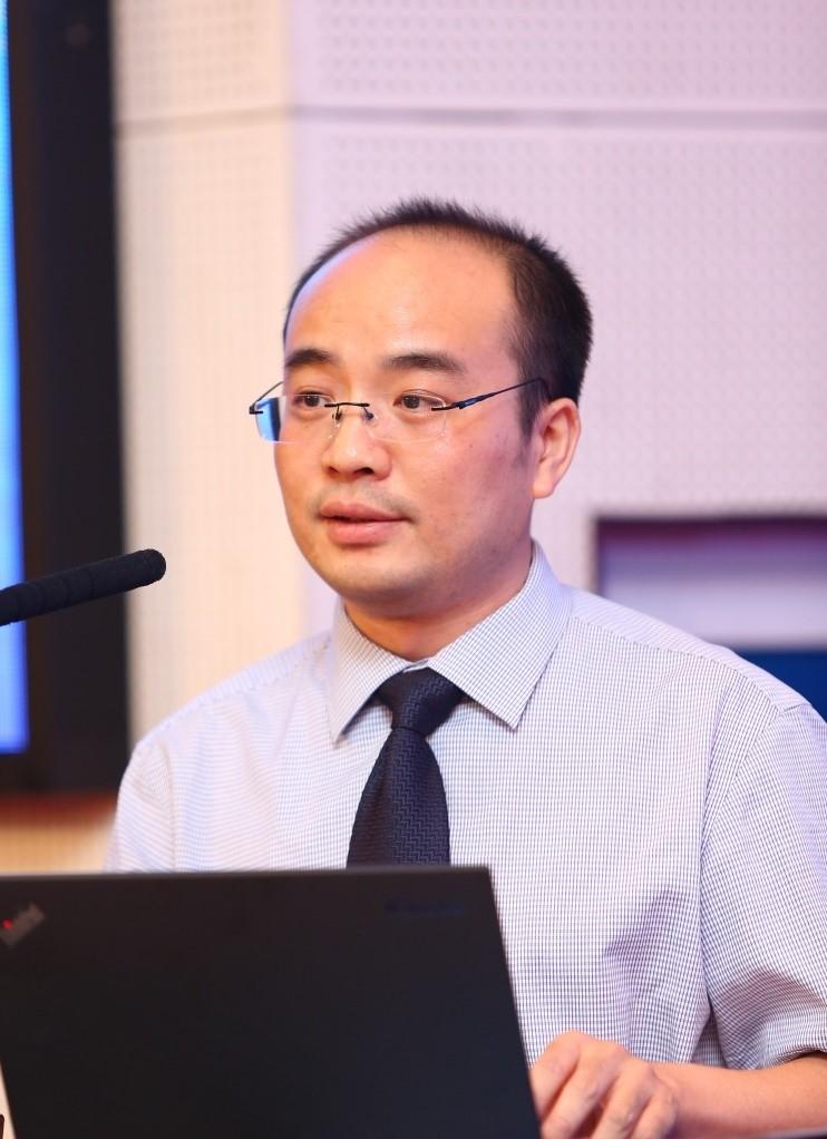 中国电子工业标准化协会副秘书长兼社会责任工作委员会常务副秘书长熊华俊照片