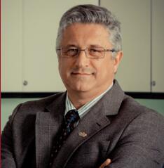 国际化妆品化学师协会联盟(IFSCC)前主席Jadir Nunes照片