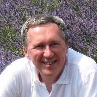 卡内基梅隆大学机器学习学院教授兼院长Tom Mitchell
