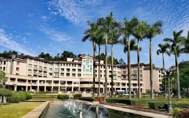 枫丹白鹭酒店