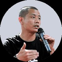 北京北大方正电子有限公司字库业务部  副总经理黄学钧照片