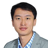 北京大学教授王荣刚