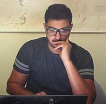 电信实验室安全研究员Chaouki Kasmi照片
